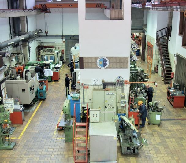 View of the mechanics workshop