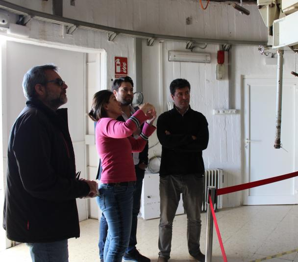 The manager of the Teide Observatory, the deputy director of the IAC, the mayor of Güímar and the Head of Economic and Legal Affairs of IACTEC inside the dome of the Carlos Sánchez Telescope