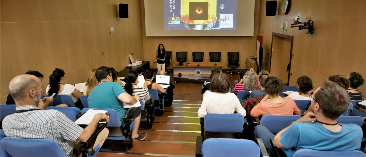 "Nayra Rodríguez, IAC astrophysicist divulger, during the presentation of the course ""Astronomy Adventure in the Canary Islands"""